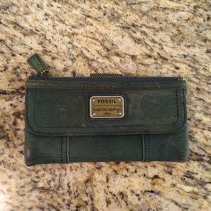 NWT Fossil Vintage Style Green Leather Wallet
